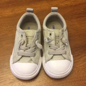 Like New Toddler Size 6 Converse